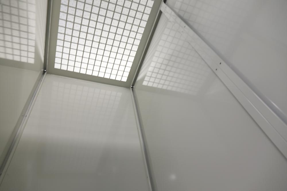 レンタルボックス広島中区天井