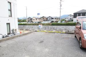 広島トランクルームの専用駐車場